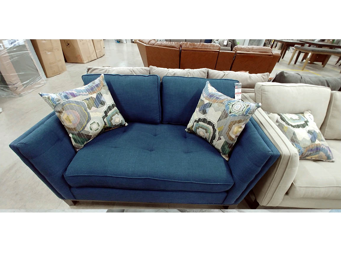 Corinthian phoebe love seat regular price 959 reduced for Furniture lubbock
